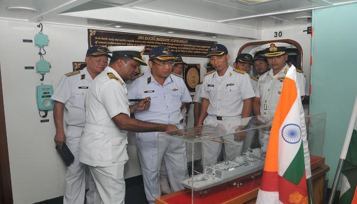 Commander-in-Chief Vietnam Navy Visits Western Naval Command