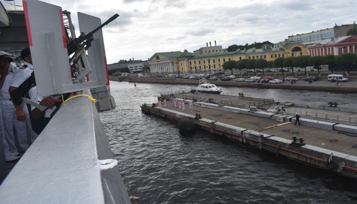 भा नौ पो तरकश  का सेंट पीटर्सबर्ग, रूस का दौरा