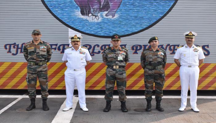 Lt Gen CP Mohanty, AVSM, SM, VSM, GOC-in-C, Southern Command Visits ENC