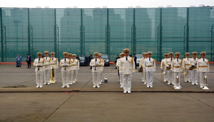 भारतीय नौसेना के पोत कोलकाता और शक्ति पीएलए (नौसेना) की 70वीं सालगिरह मनाने के लिए आईएफआर में भाग लेने हेतु किन्ग्दाओ, चीन में हैं