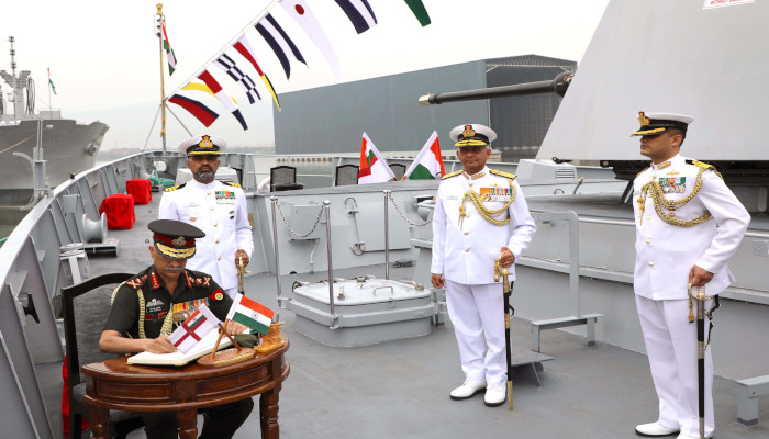 General Manoj Mukund Naravane PVSM, AVSM, SM, VSM, ADC, Chief of the Army Staff commissions INS Kavaratti