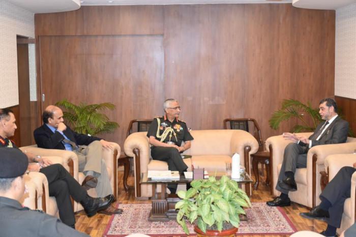 Chief of Army Staff Gen MM Naravane visits Mumbai