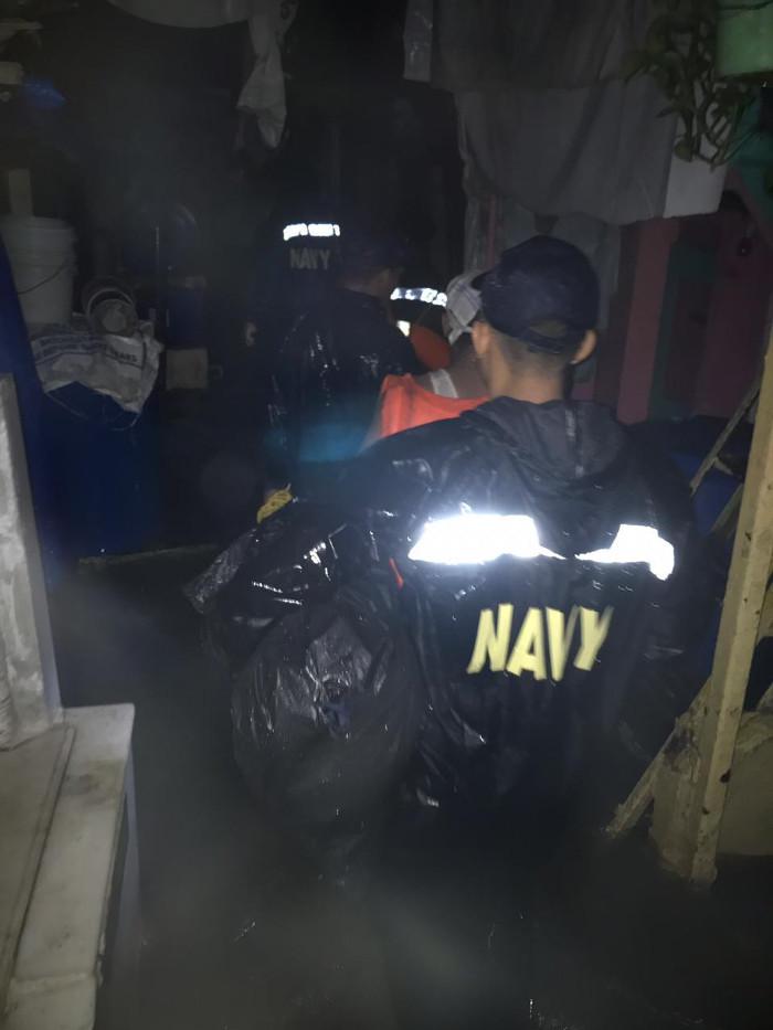 Indian Navy Teams Aid Rescue Efforts in Rain Hit Mumbai
