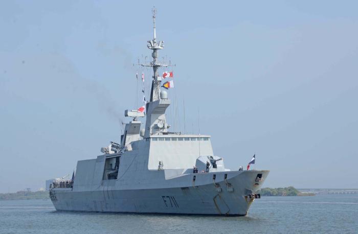 कोच्चि में फ्रांसीसी नौसेना पोत