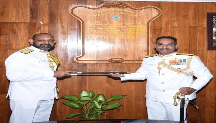 Rear Admiral Deepak Bansal, VSM assumes charge as the Admiral Superintendent, Naval Ship Repair Yard (Kochi)