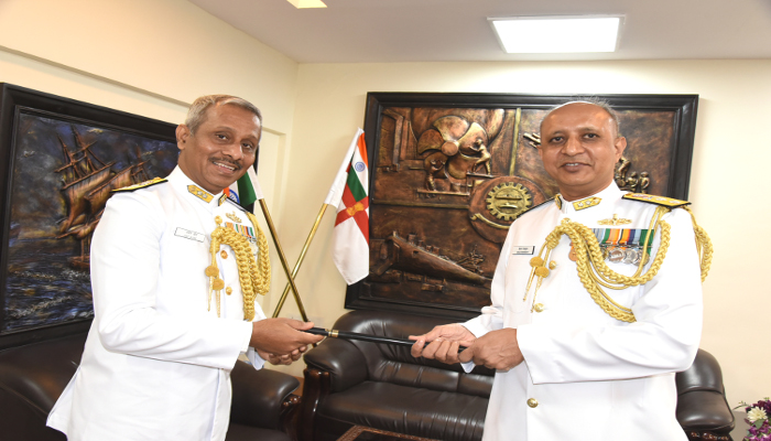 रियर एडमिरल किरण देशमुख वीएसएम  ने नौसेना गोदीबाड़ा विसाखापट्नम में एडमिरल सुपरिंटेंडेंट का पदभार संभाला