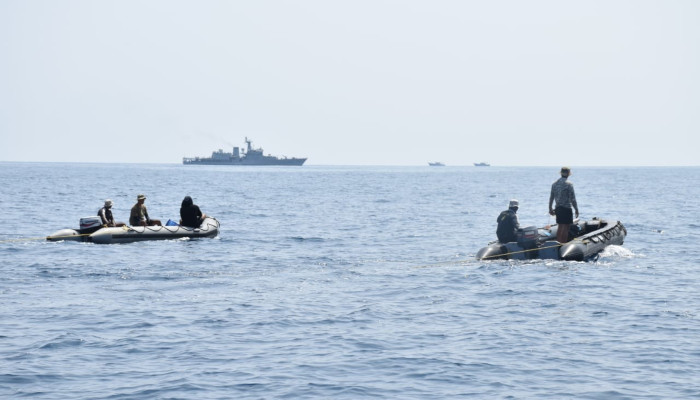 मैंगलोर ने निकट समुद्र में गुमशुदा मछुआरों के लिए खोज और बचाव प्रयास में भारतीय नौसेना की संपत्तियों को तैनात किया गया
