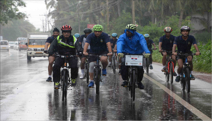 Indian Navy Officer on Solo Cycle Expedition from Kashmir to Kanyakumari Arrives at Kannur District
