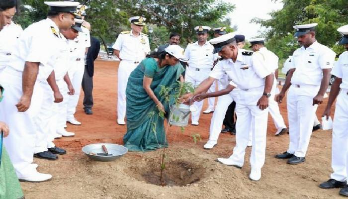 विश्व पर्यावरण दिवस 2019 - भारतीय नौसेना देश के ऊर्जा और पर्यावरण लक्ष्य को आगे बढ़ाने की दिशा में