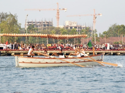 INS Dronacharya Wins Kochi Area Pulling Regatta